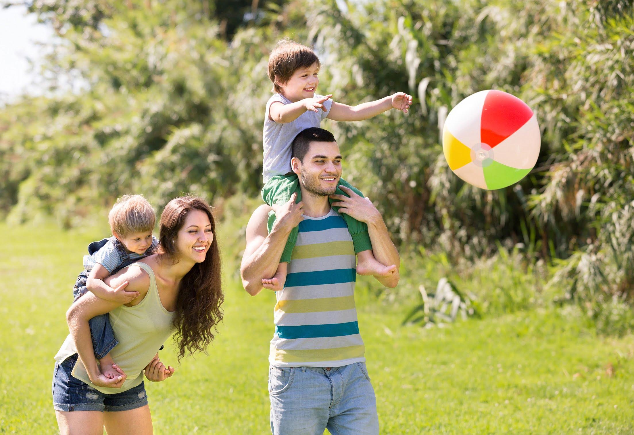 Associar_se_a_clubes_pode_ser_uma_opcao_de_-lazer_para-toda-família_-sabia.jpg